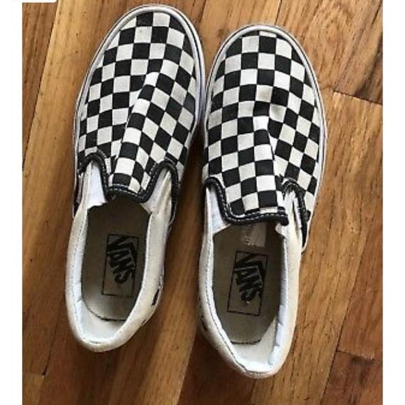 61839a6fcbf241 Checkered Vans slip on shoe. M 5b778436bf77297afe24103e